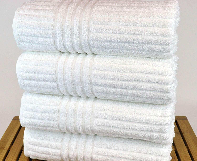 khăn tắm khách sạn màu trắng