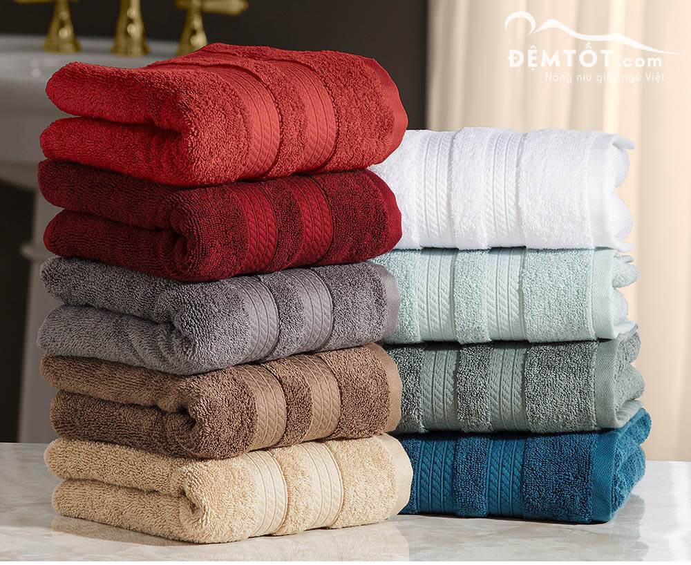 khăn tắm khách sạn các màu sắc